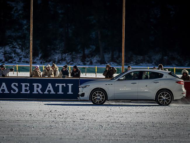 瑪莎拉蒂總裁策馬御風雪 新款總裁轎車亮相瑪莎拉蒂2017年馬球巡回賽首秀;汽機;Maserati;瑪莎拉蒂